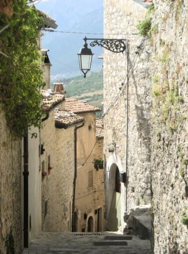 Borgo Medievale - Barrea (2445 clic)
