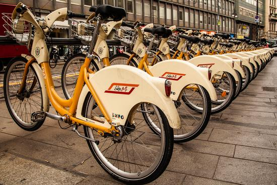 Bycicle ...... - Milano (1133 clic)