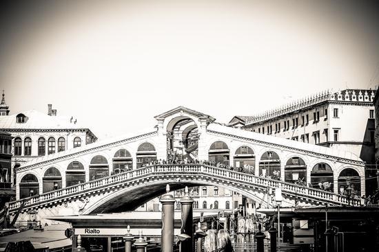 Ponte di Rialto... - Venezia (1196 clic)