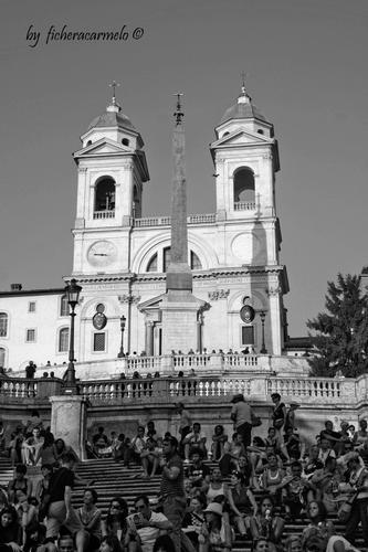 Trinità dei Monti,piazza di spagna Roma (830 clic)