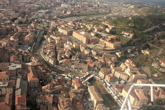 Visione aerea di Cosenza (1666 clic)