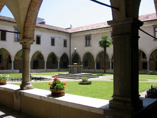 chiosco della chiesa Madonna delle Grazie - Udine (6092 clic)