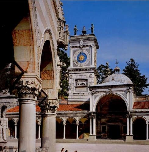 Piazza Libertà - Udine (7059 clic)