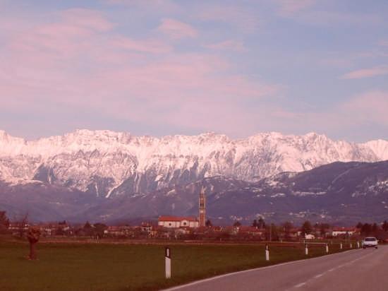veduta delle Alpi dalla città - Udine (10164 clic)
