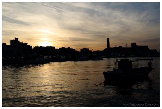 Tramonto al porto - Monopoli (1022 clic)