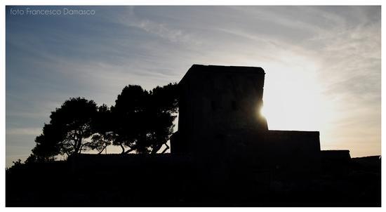 Torre in controluce - Monopoli (1332 clic)