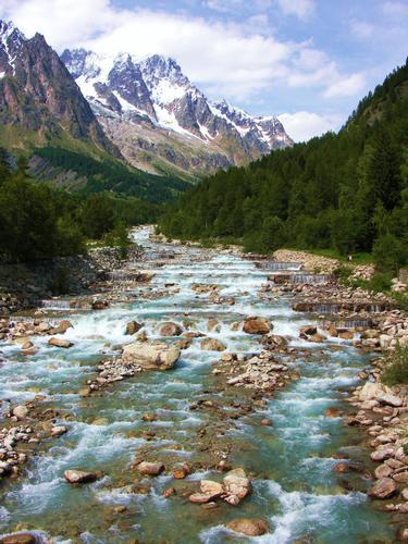 il fiume scorre lento - Courmayeur (1558 clic)