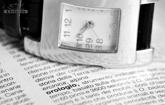 Macro. Orologio, il tempo. (300 clic)