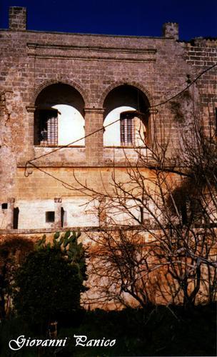 Castello - Giuliano di lecce (550 clic)