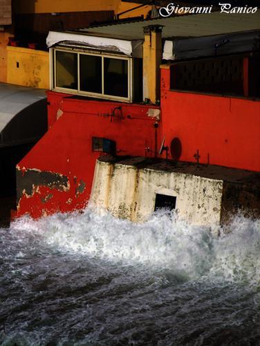 Quando il Mare bussa alla Finestra - Tricase porto (801 clic)