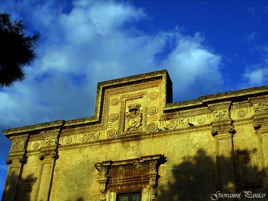 Particolare facciata chiesa S. Angelo. - Tricase (520 clic)