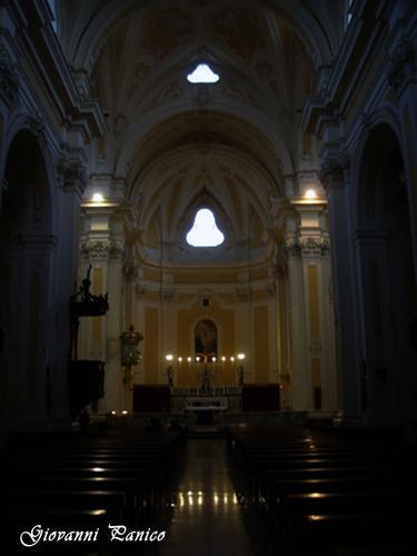 Navata Centrale chiesa Matrice - Tricase (913 clic)