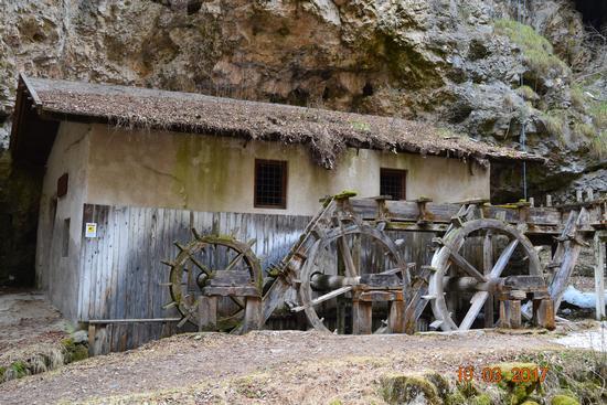il vecchio mulino - Fondo (607 clic)