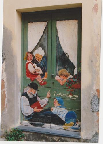 porta  in legno pitturata - Loano (1254 clic)
