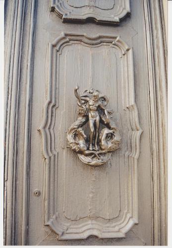 porta con lavorazione in ferro - Venezia (999 clic)