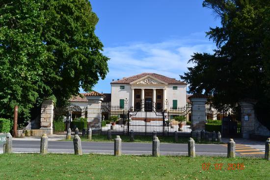 villa emo - Vedelago (271 clic)