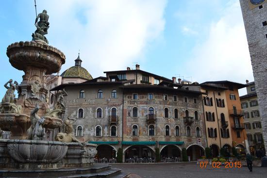 piazza duomo-trento (801 clic)
