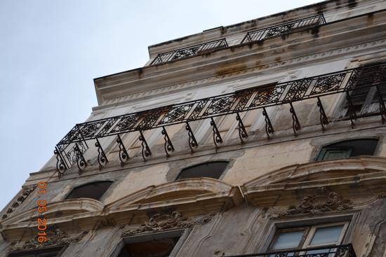 balcone solo con ringhiera - Palermo (1030 clic)