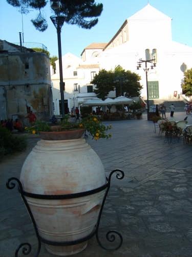La piazza - Ravello (2524 clic)