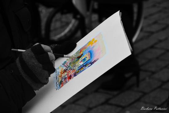 artisti di strada a montrmartre -  - inserita il 03-Feb-14