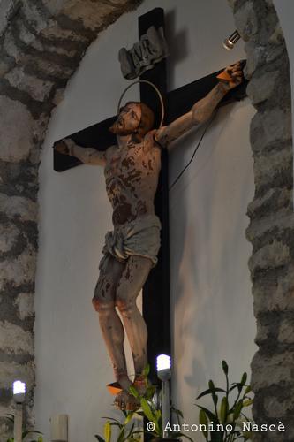 Crocifisso esposto nella chiesetta della madonna delle grazie di Prizzi... (434 clic)