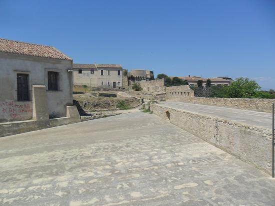 castello Carlo V - Crotone (1168 clic)