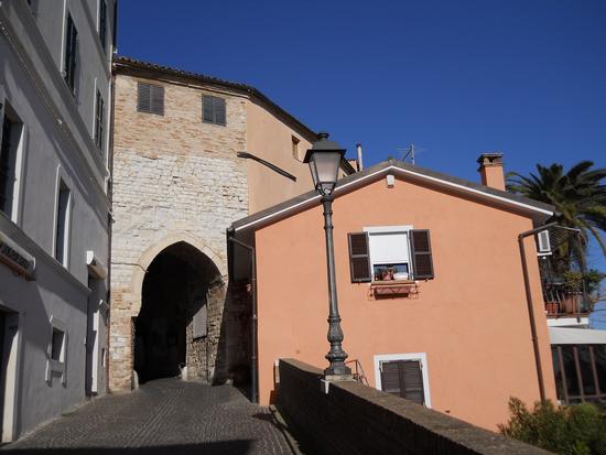 Sirolo - Arco gotico (1132 clic)