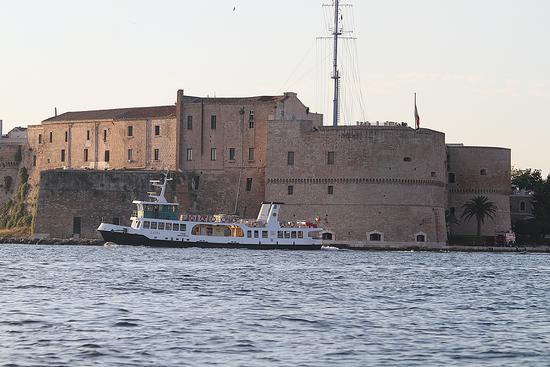 Taranto, il castello aragonese. (923 clic)
