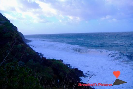 Mareggiata a Stromboli. (985 clic)