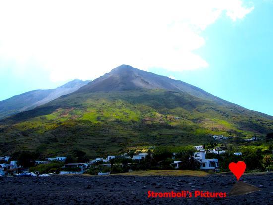 L'isola di Stromboli. (301 clic)