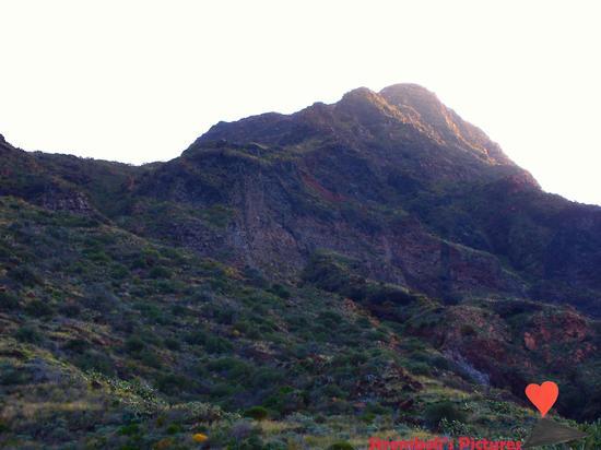 La cima dello Stromboli vista da Ginostra (675 clic)