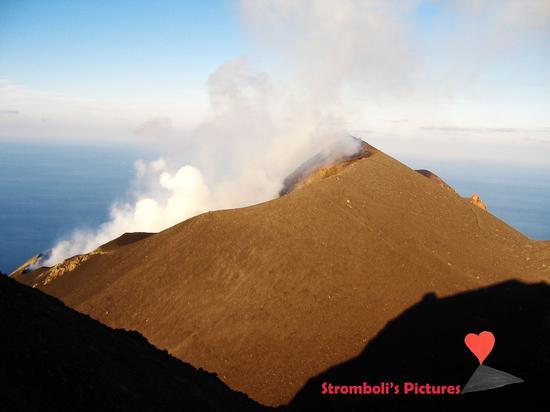 Il vulcano Stromboli (806 clic)