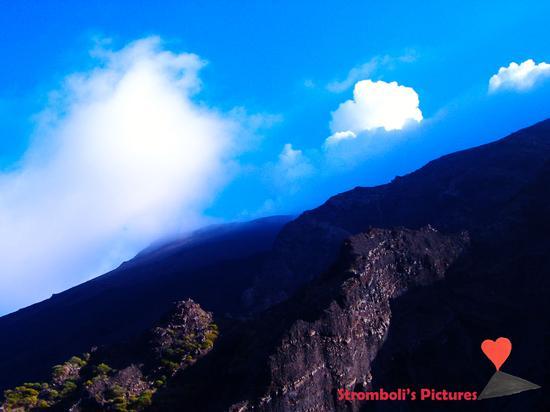 La sommità del vulcano Stromboli. - Ginostra (549 clic)