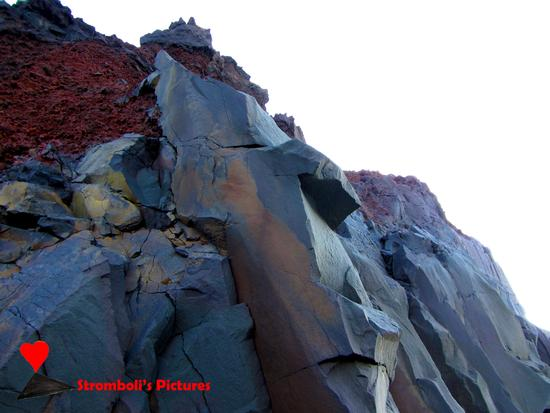 Formazioni rocciose di Stromboli. (290 clic)