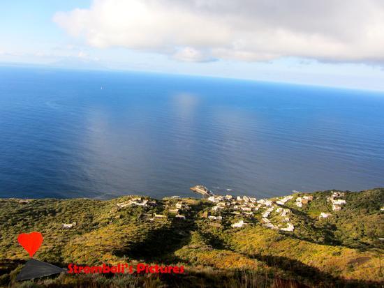 Vista panoramica  di Ginostra (430 clic)
