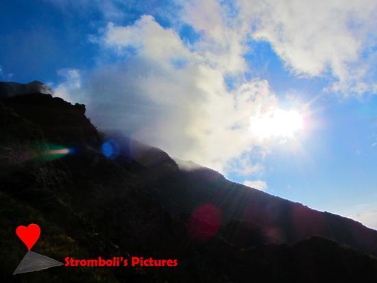 Il sole splende su Ginostra (277 clic)