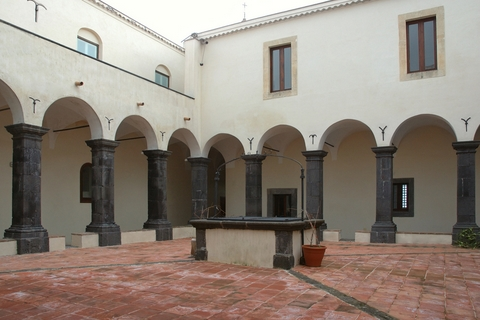 Ex Convento - MUSEO D'ARTE MODERNA - Trecastagni (4386 clic)