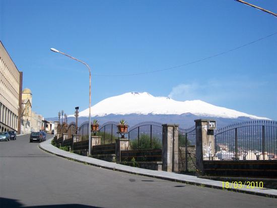 Vista  dell Etna  Da Paternò  (  ct  ) (1692 clic)