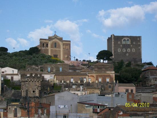 Castello  Normanno  e  Matrice - Paternò (1089 clic)