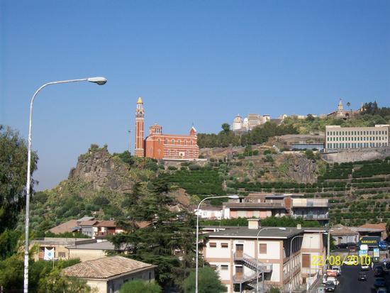 Vista del  Santuario  della  Consolazione  Di  Paternò  (  ct ) (1026 clic)