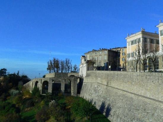 Porta S.Giacomo  - Bergamo (5356 clic)