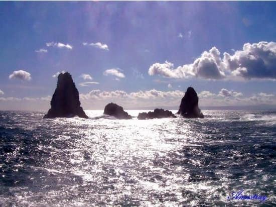 Acitrezza  Faraglioni - Aci trezza (3932 clic)