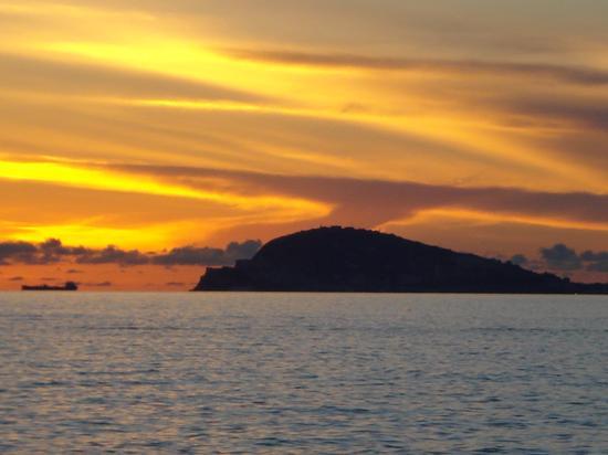 Gaeta al tramonto - Scauri (706 clic)