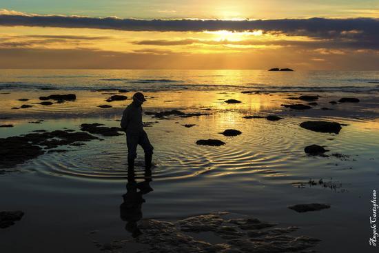 L'uomo , la solitudine ed i suoi cerchi! - Siculiana marina (1075 clic)