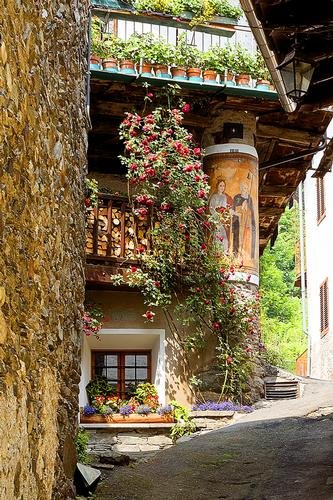 Scorcio... - Casteldelfino (452 clic)