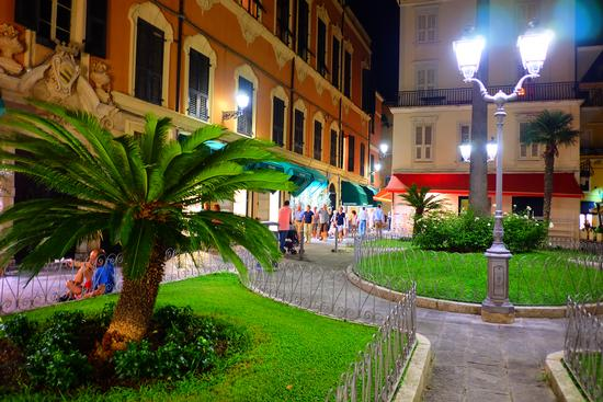 Piazzetta - Alassio (398 clic)