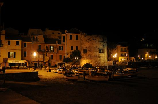 Spiaggia in notturna - Laigueglia (378 clic)