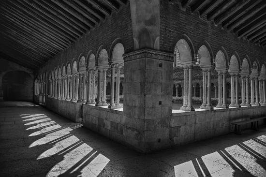 Verona Chiostro della basilica di S.Zeno (850 clic)