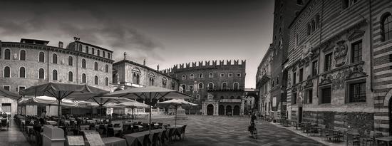 Verona piazza dei Signori (948 clic)