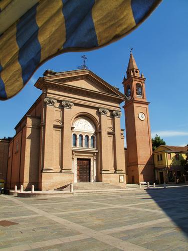 Chiesa Parrocchiale, prima del terremoto; - Cavezzo (679 clic)